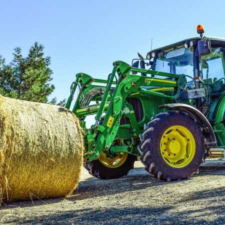 tractor-2952499_1920